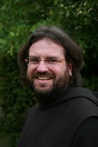 Helga König im Gespräch mit Pater Zacharias Heyes/Kloster Münsterschwarzach