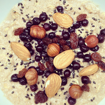 Porridge myrtilles et sésame