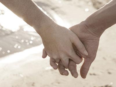 Фото две руки парень и девушка