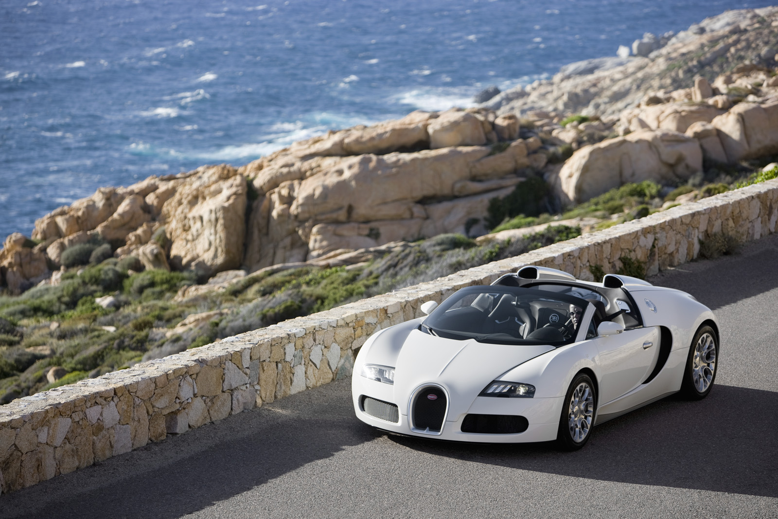 white bugatti veyron wallpaper cool car wallpapers. Black Bedroom Furniture Sets. Home Design Ideas
