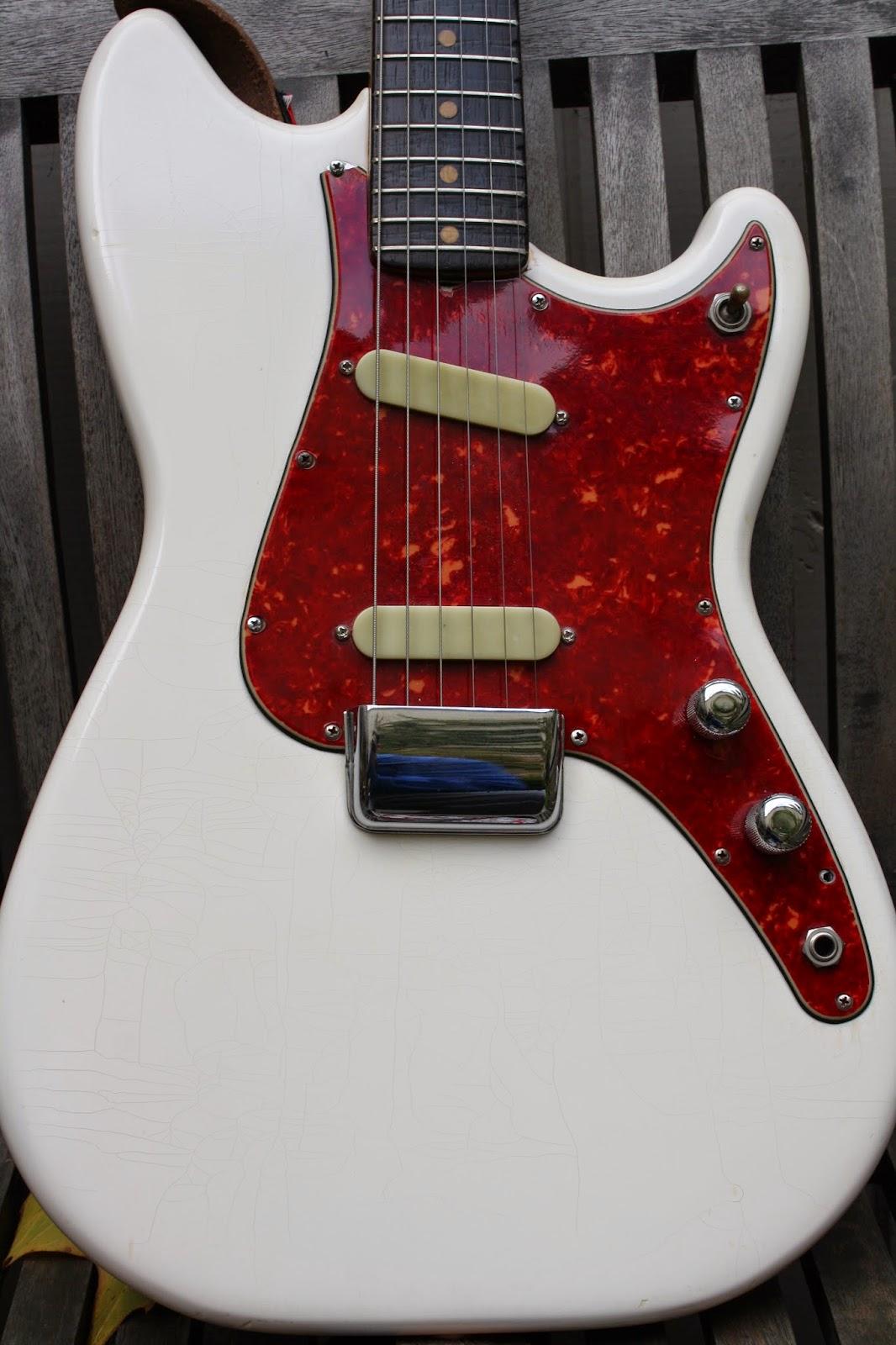 guitare vue de dos