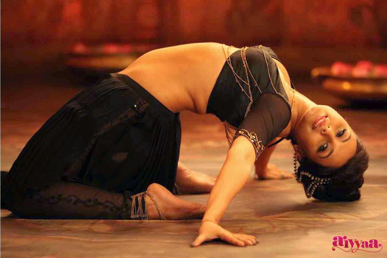 nude photos of rani mukherjee
