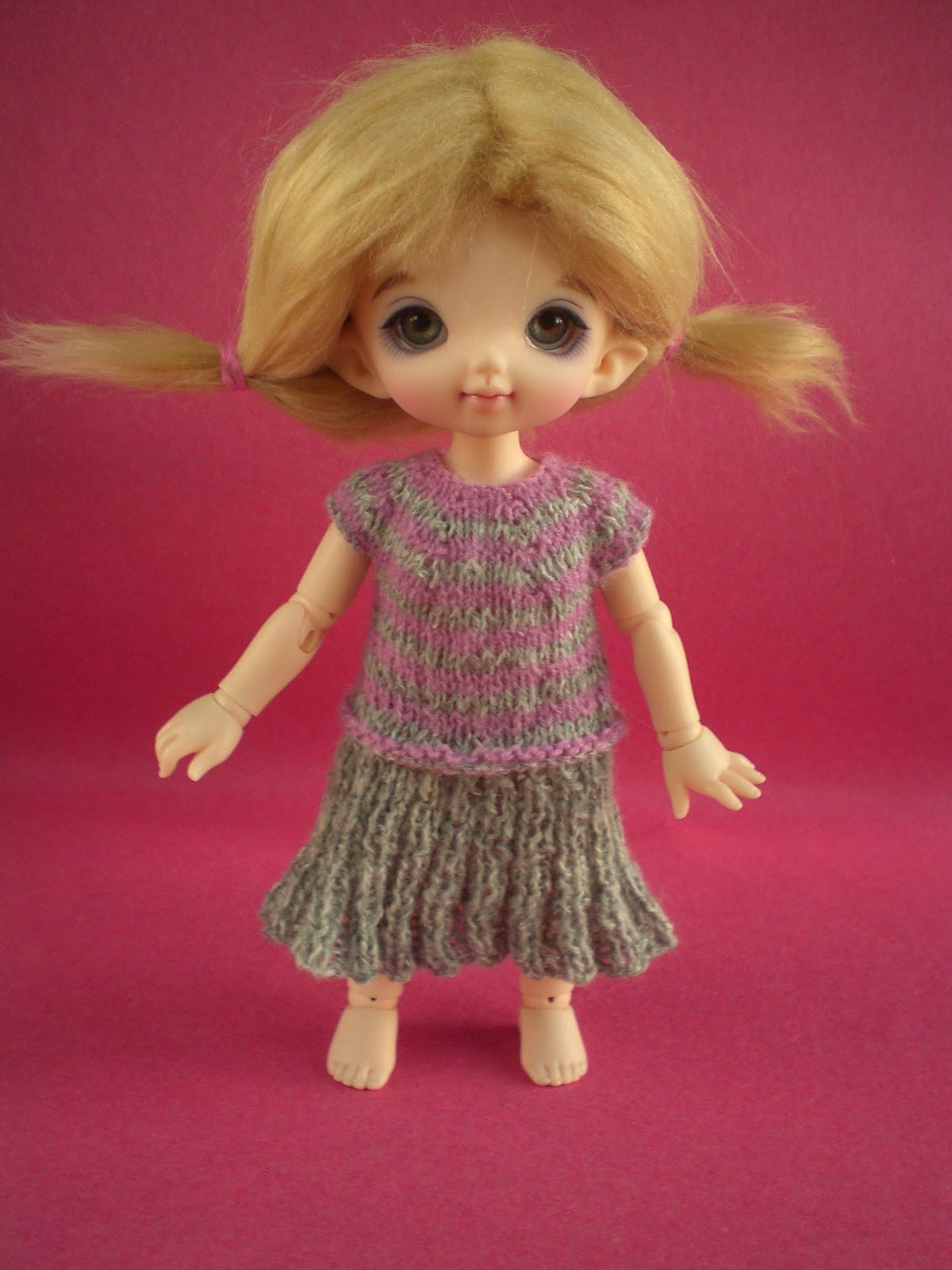 bitstobuy: Guest blog from Anna of beepbeepdesigns - Knitting for bjd