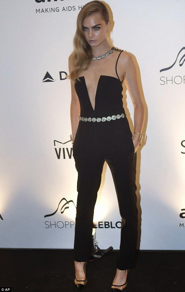 cara delevigne outfit jumpsuit da sera colorblock by felym fashion blog di mariafelicia magno