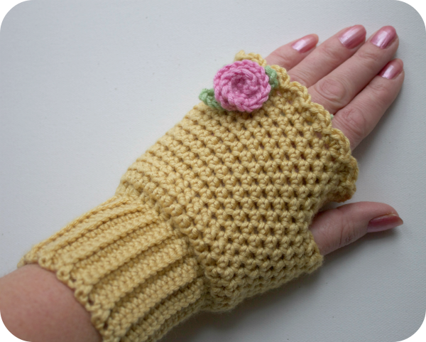 Miss Read Mitts Crochet Pattern