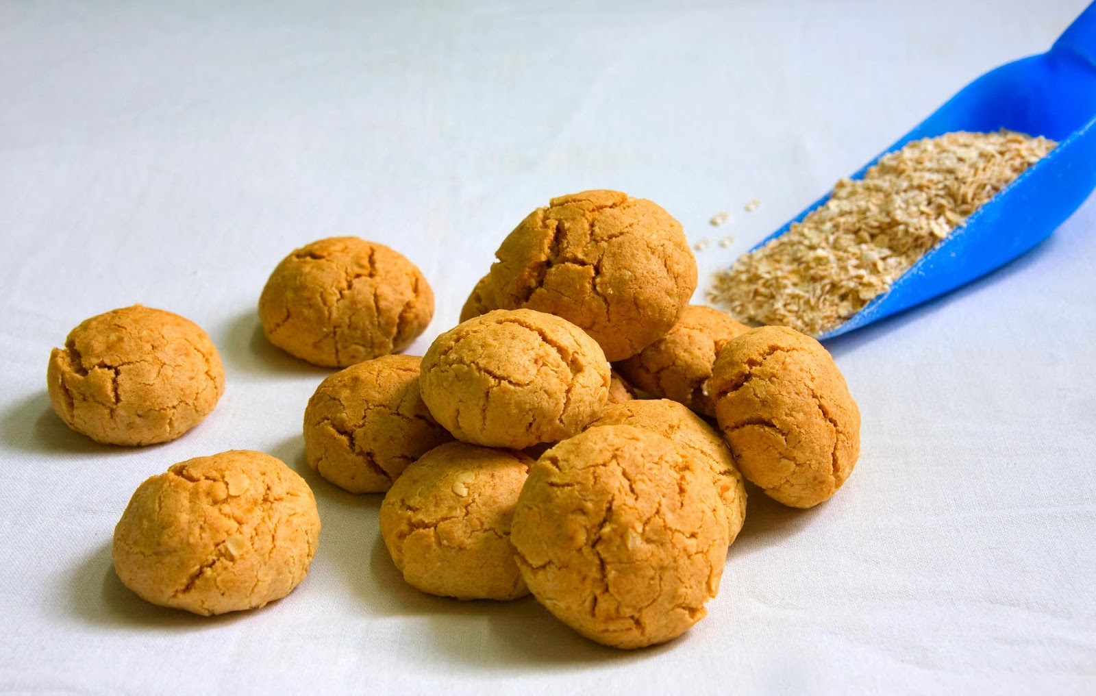 Nimmy's Kitchen: Whole Wheat Oats Cookies (Egg less)
