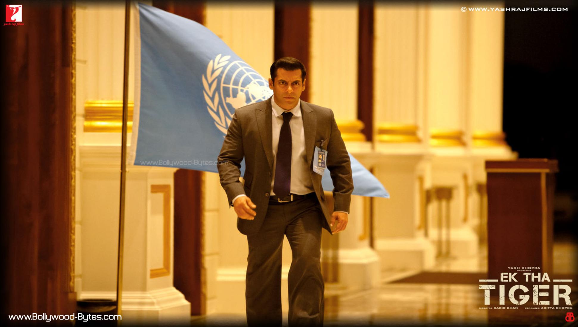 http://2.bp.blogspot.com/-BKuOjhOMkCc/UAriNPMBcQI/AAAAAAAAL-k/ChVulwOqsMY/s1940/Ek-Tha-Tiger-Salman-Khan-HD-Wallpaper-17.jpg
