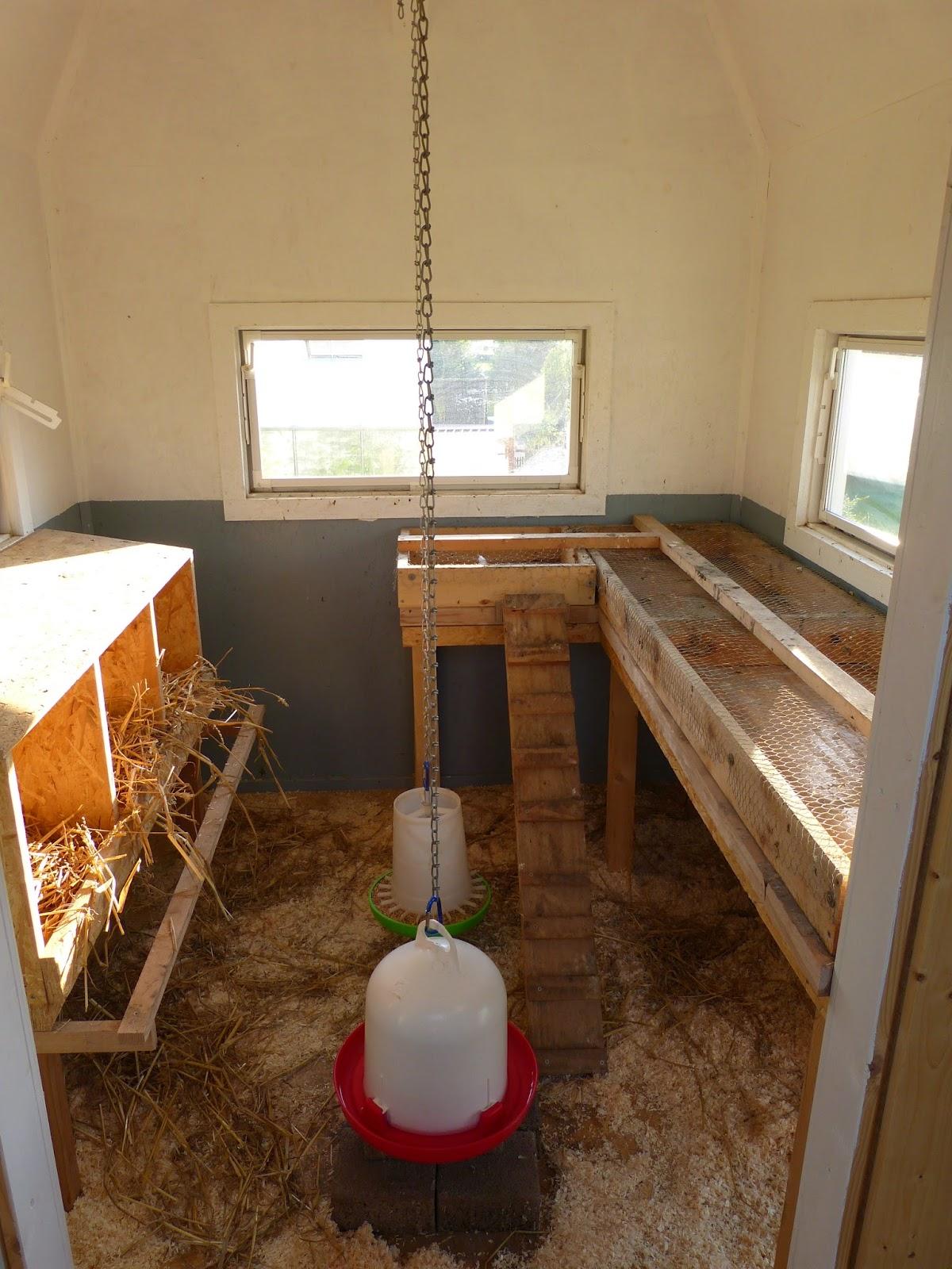 bab s bumblebee schweden h hnerstall mit aussicht. Black Bedroom Furniture Sets. Home Design Ideas