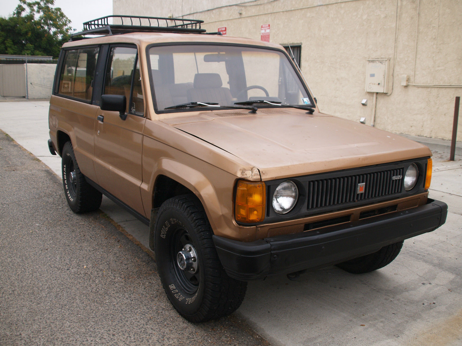 1986 isuzu trooper dlx turbo diesel 4x4 2 door manual transmission turbo tuesday. Black Bedroom Furniture Sets. Home Design Ideas