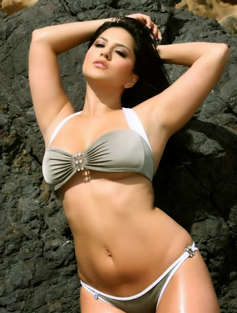 Sunny Leone sexy panty and Bra