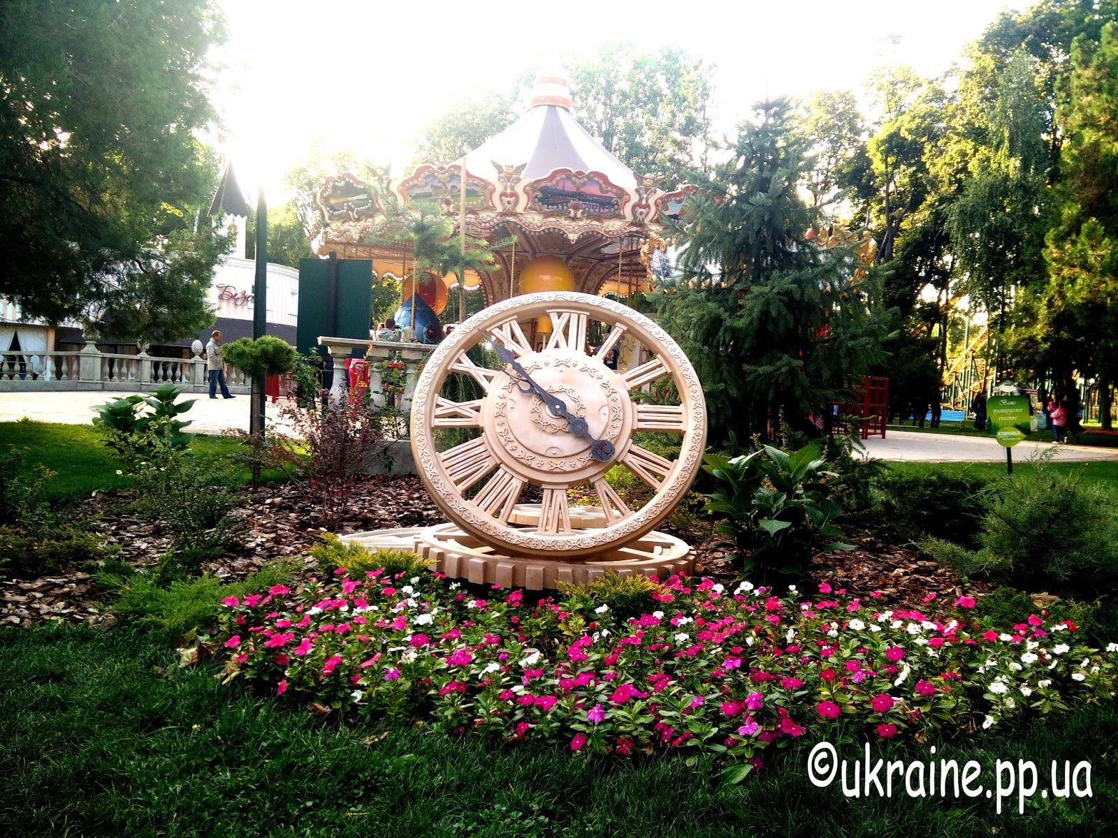 Часы в парке Горького
