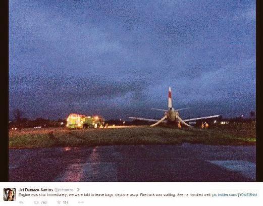 Gambar Pesawat AirAsia EZD 272 Terbabas Di Lapangan Terbang Kalibo Filipina