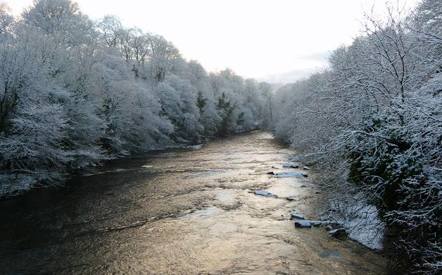 Winter scene, A Bit About Britain