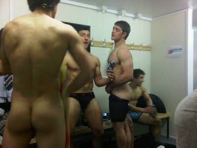 Hot men in their pants.: Straight Guys In The Locker Room (Part 2)
