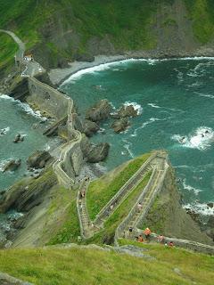 Escalinata que lleva a San Juan de Gaztelugatxe
