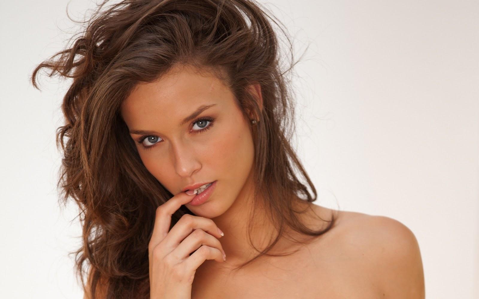 http://2.bp.blogspot.com/-BM4BuThS8Jk/T5HE2DwqdTI/AAAAAAAALTA/OYpUNpUMNaQ/s1600/Malena%20Morgan%20Hot%20Pictures%20(24).jpg