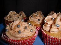 http://cecilecupcakecafe.blogspot.de/2013/07/apfel-zimt-cupcakes.html