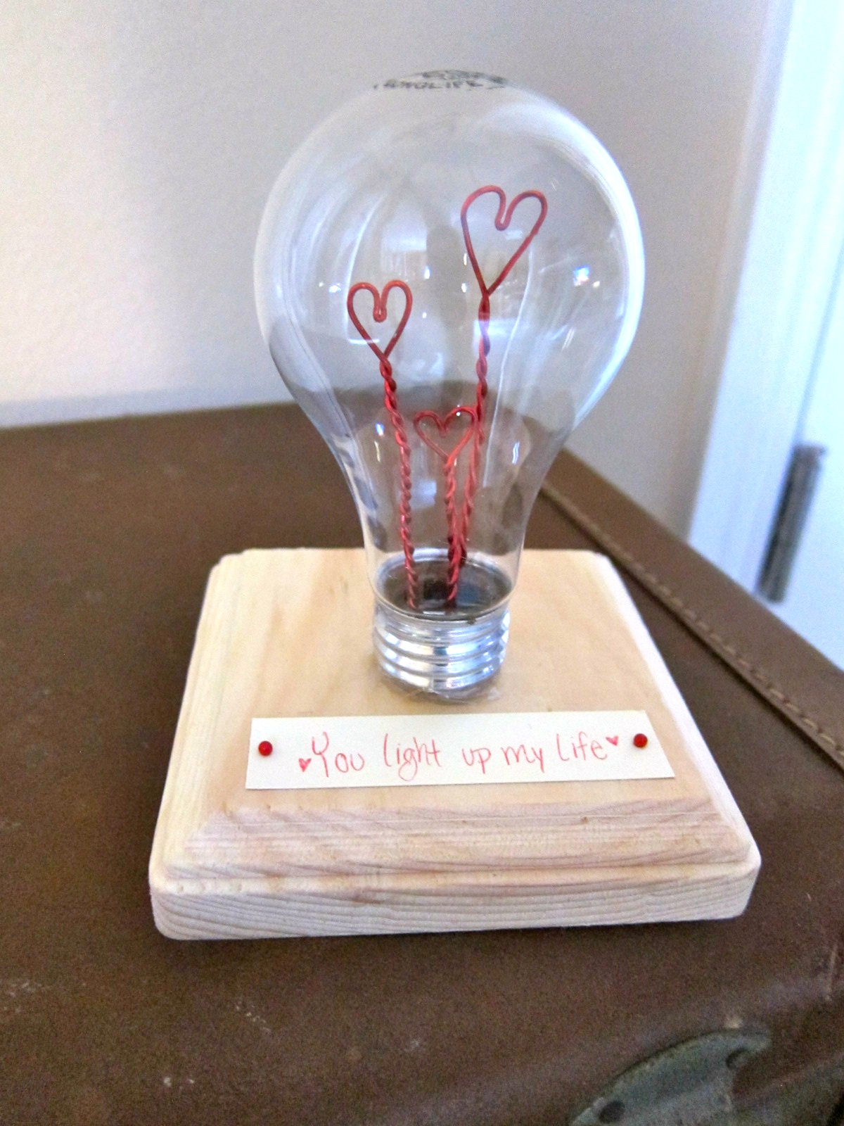 diy valentine light bulb