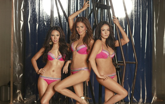 iza calzado in beauty queen bikini photo 05