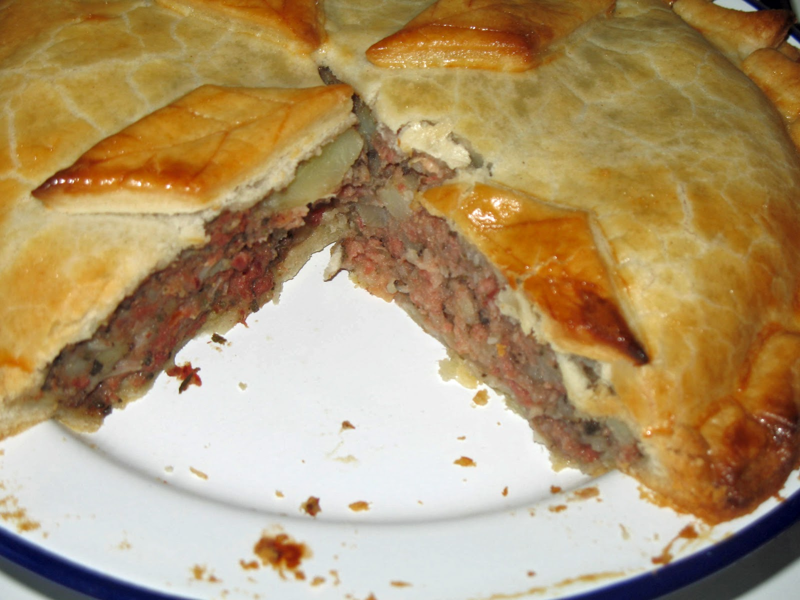 6+Corned+beef+pie.jpg & The Happy Housewife: Corned Beef Pie