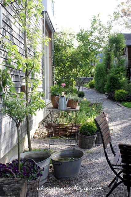 Ein schweizer garten ich und das gartencenter for Terrasse jardin anglais