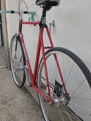 Sepeda Fixie Merah