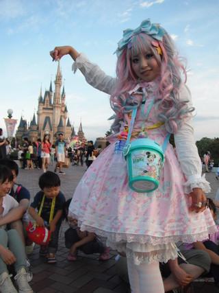 http://2.bp.blogspot.com/-BNrKo4GXlAs/UasYL1te5NI/AAAAAAAAAJI/FYFZZMH6eos/s640/lolita+3.jpg