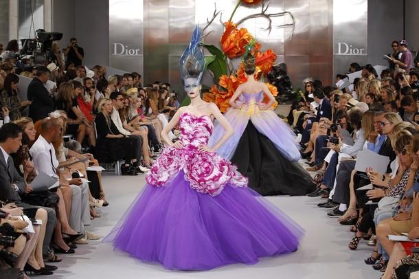 Personnalit desfile haute couture inverno 2011 da dior for Haute couture translation