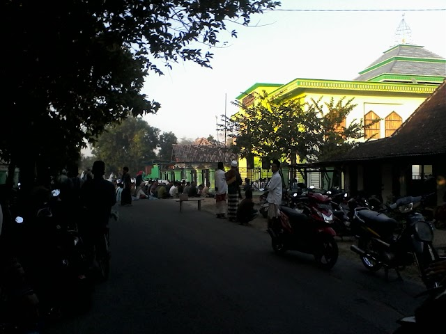 Sholat Id di Masjid At Taqwa Desa Ngrejeng Meluber