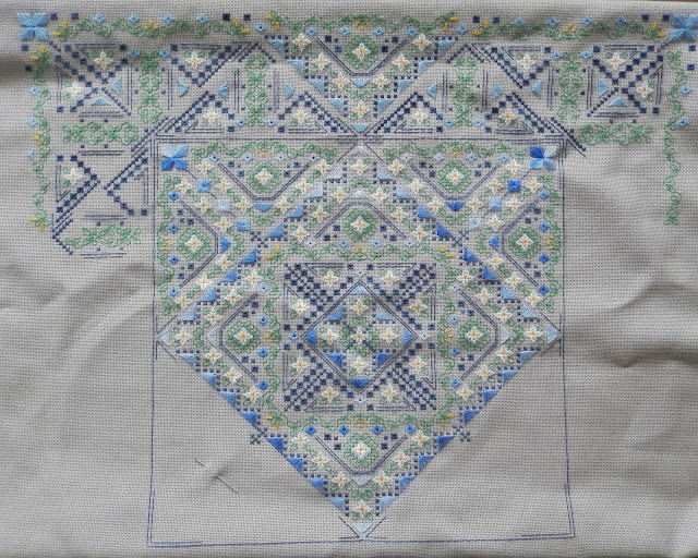 Daisy - special stitch design by Brodeuse Bressane