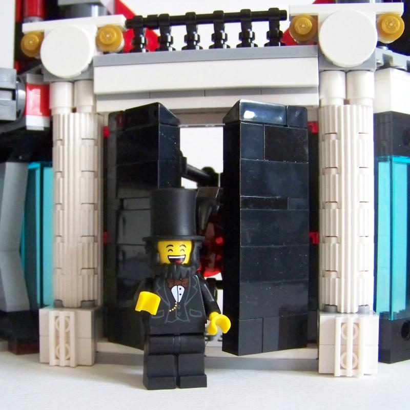 LEGO column