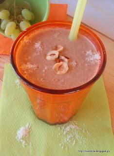 Λαχταριστό φουντουκένιο smoothie με νιφάδες φαγόπυρου, φρούτα και σοκολατένιο ταχίνι-Yummy chocolate tahini hazelnut fruit buckwheat smoothie