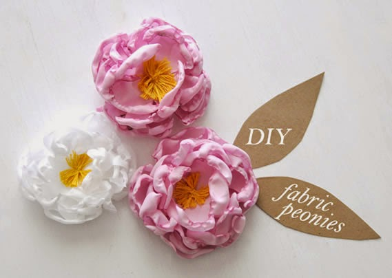 Flores feitas de tecido vela