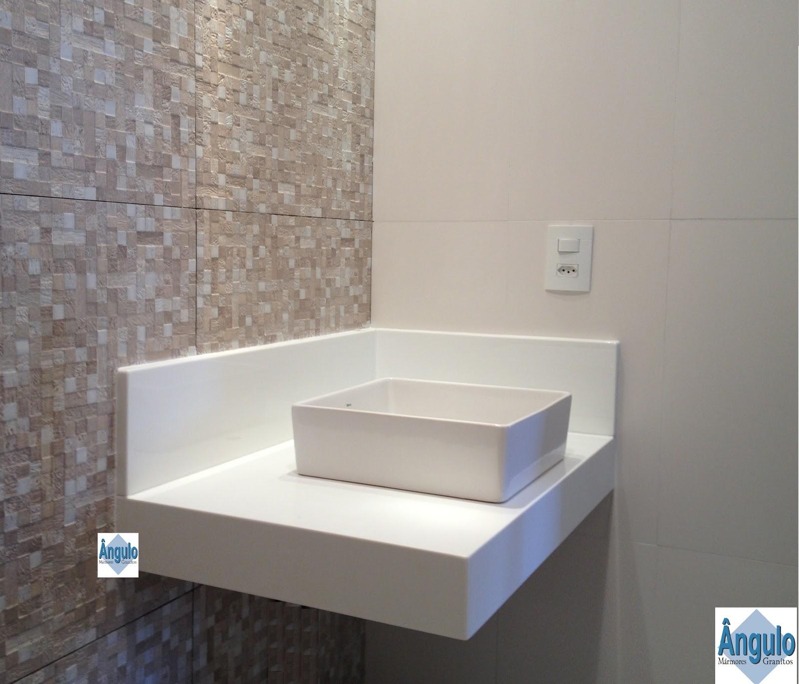 Essas bancadas lindas e branquíssimas são feitas de Nanoglass! Já  #446387 1600x1370 Bancada Banheiro Resina