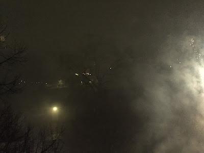 Silvesternacht 0.30 Uhr Kreuzberg aus dem 3. OG fotografiert