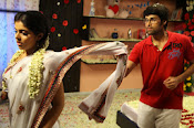 Love You Bangaram Romantic Photos Gallery-thumbnail-5