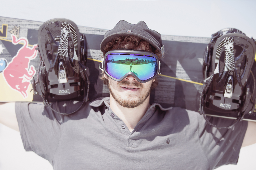 Marc Swoboda Snowboarder Red Bull Matthias Heschl