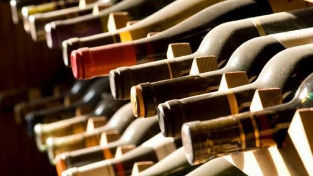 Ισοδύναμα, φόρος στο κρασί και το «υπό προστασία» λαθρεμπόριο οινοπνεύματος