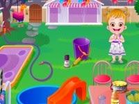 Baby Hazel fiesta en el patio de su casa