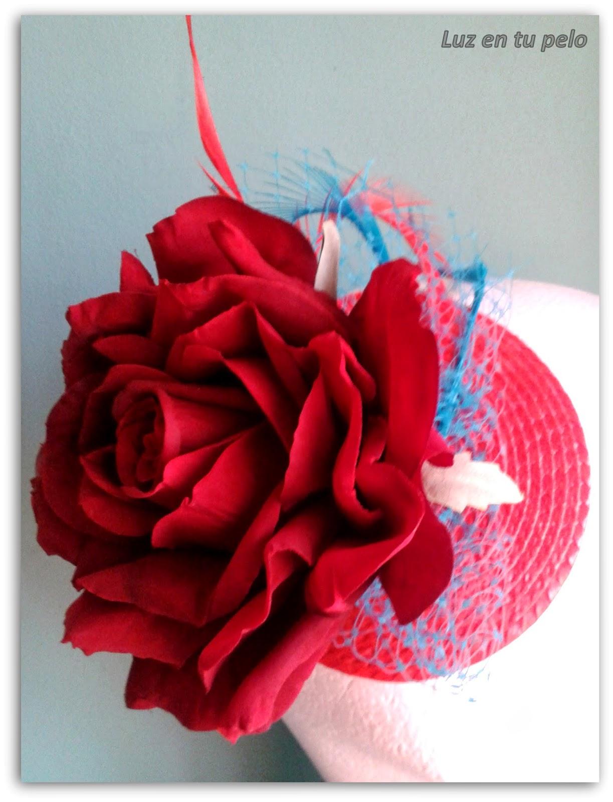 tocados baratos, tocados para bodas, tocados económicos, tocados con flores, tocados con rosa, tul, plumas, rojo, turquesa, tocado rojo, tocado turquesa
