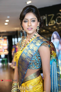 Vithika Sheru Pictures in Saree at Kalanikethan New Wedding Collections Event ~ Bollywood and South Indian Cinema Actress Exclusive Picture Galleries