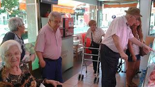 treball biopsicosocial gent gran