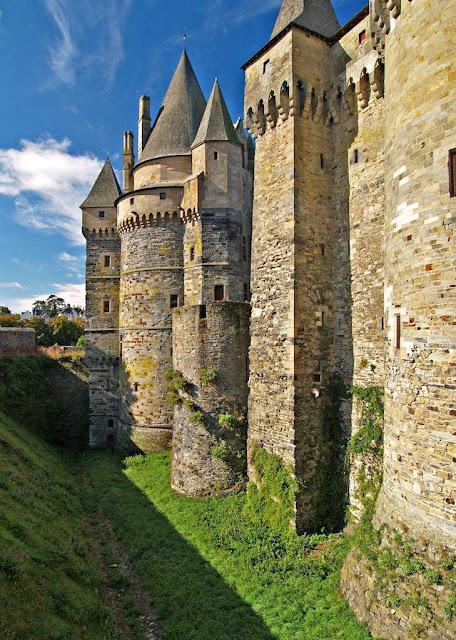 Castelo de Vitré: convida a algo mais que supera seu aspecto material