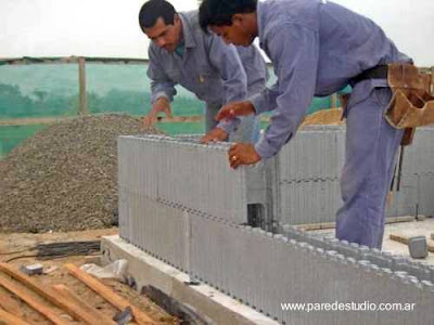Construcción de paredes con paneles estructurales