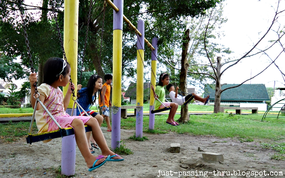 benefits of kids playing outdoors essay Recognizing the importance of outdoor play for young children's healthy growth, a project focused on the exploration of the outdoor environment was developed with a group of young children in an early childhood education setting in portugal.