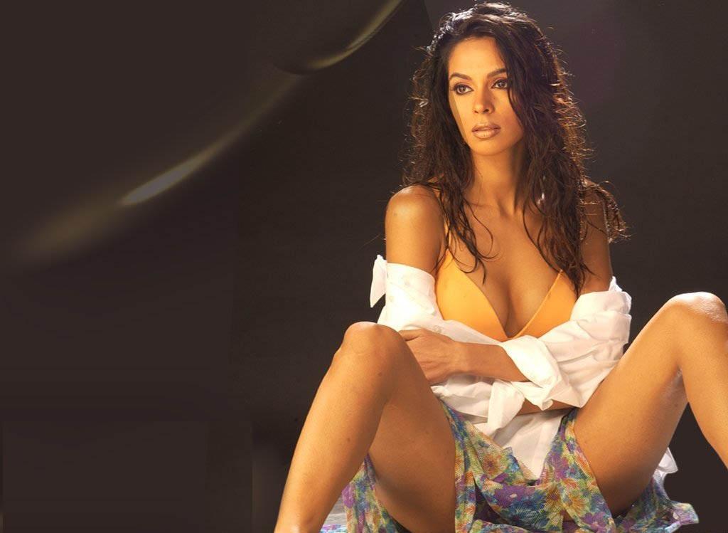 Mallika sherawat in bikini awesome!