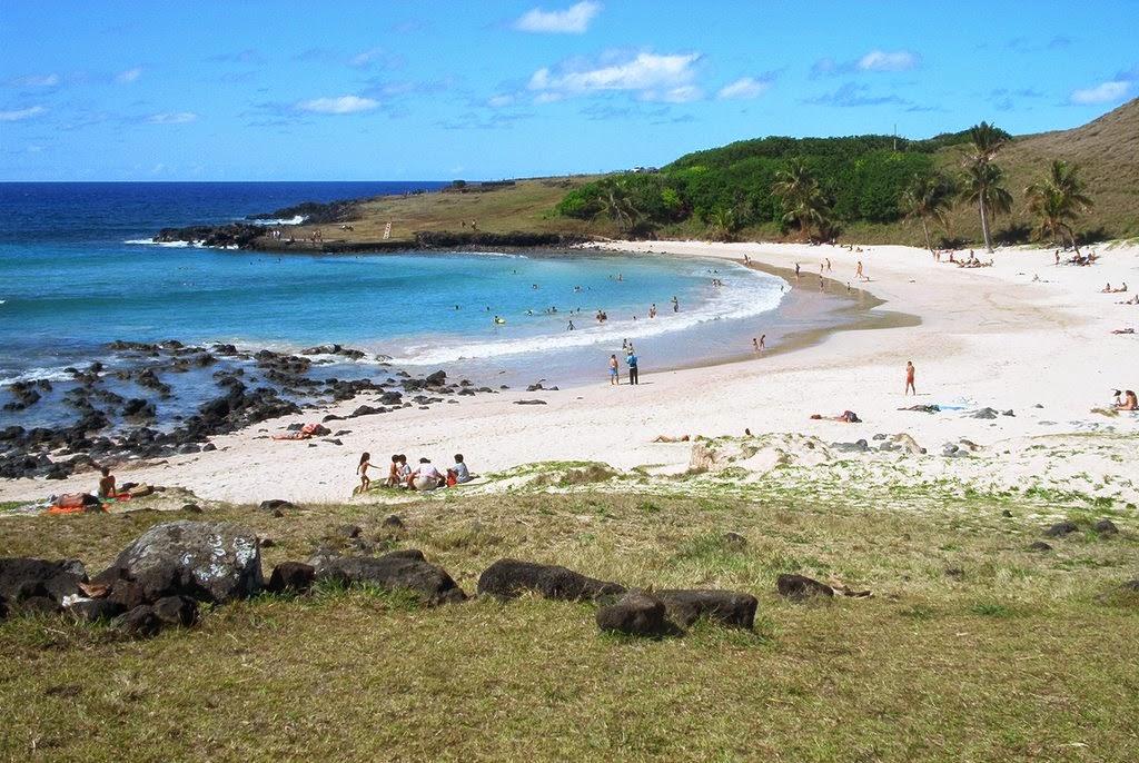 Playa Anakema en la Isla de Pascua