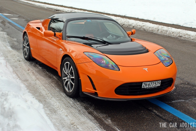 Orange Tesla Roadster Sport tested in Zurich