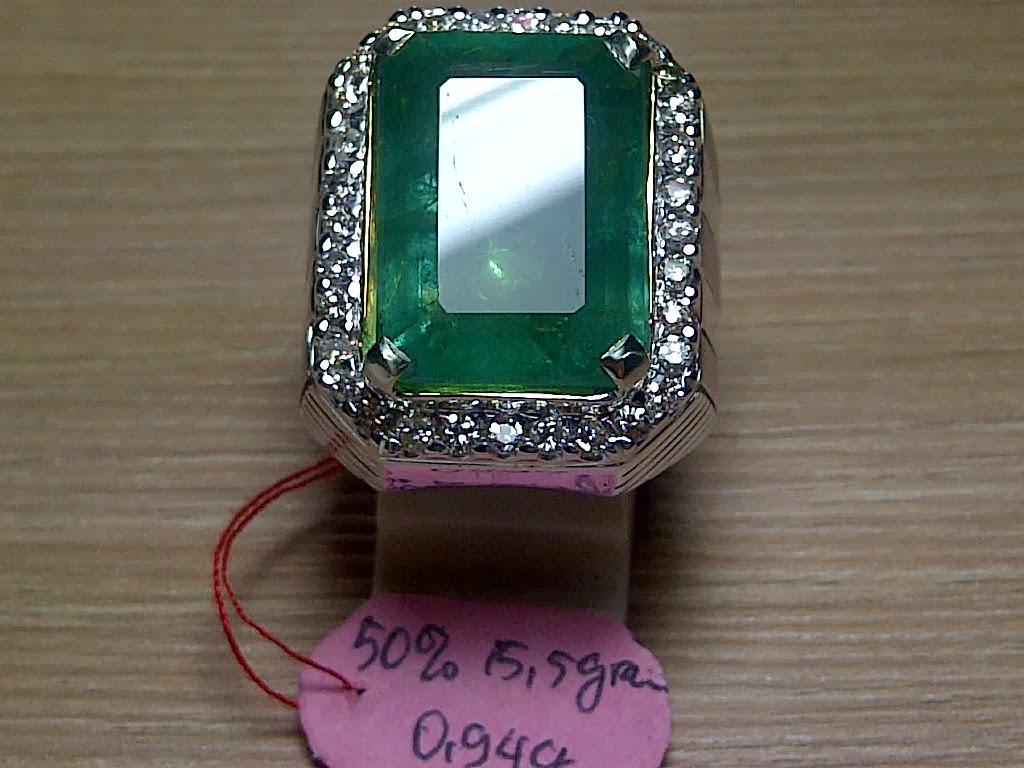 17,34ct NATURAL EMERALD GD 30 juta saja!