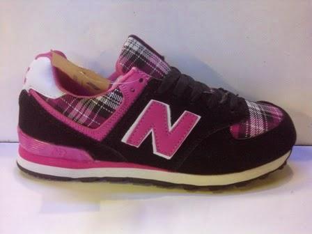 Sepatu New Balance 574 Motif pink